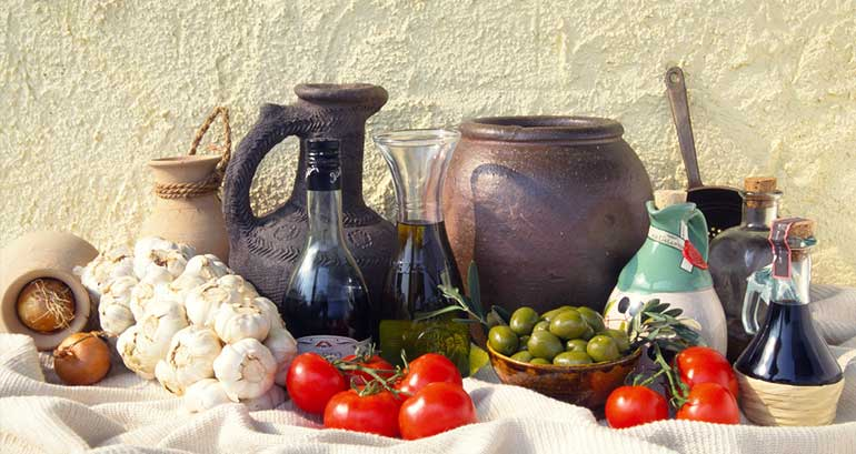 garlic, tomatoes and olive oil